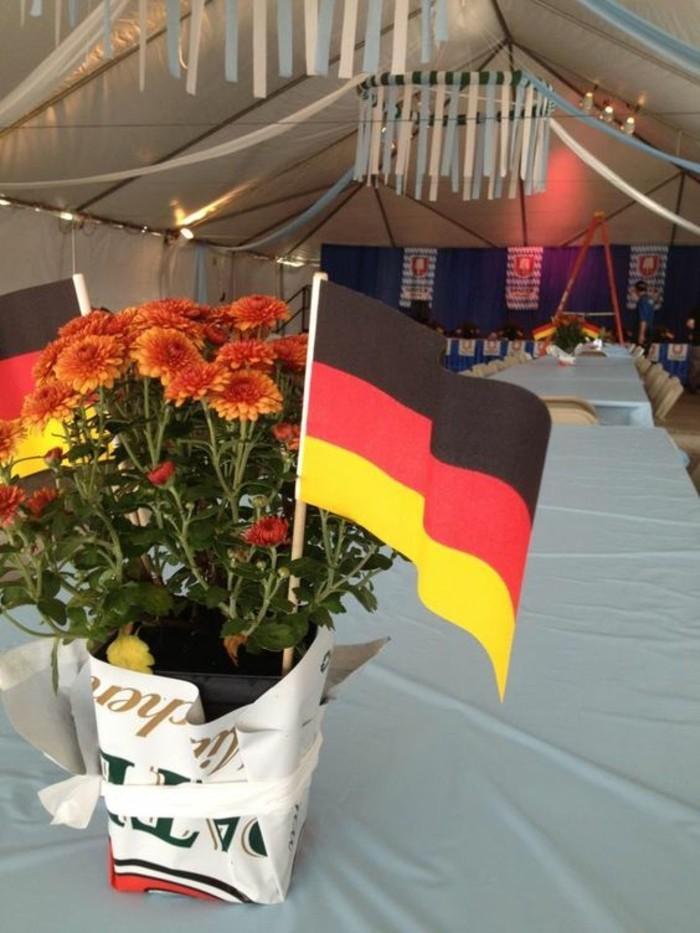Oktoberfest-Deko-mit-deutscher-Flagge