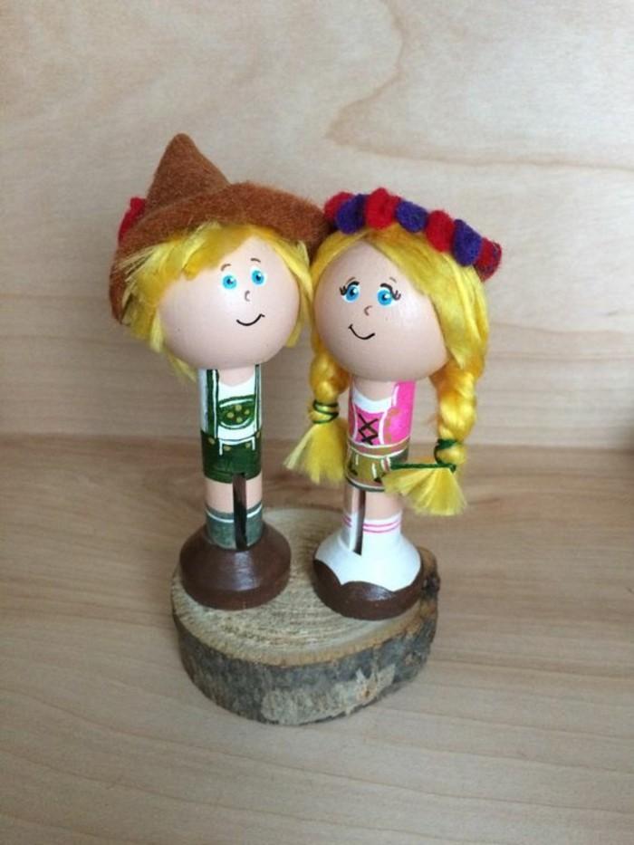 Oktoberfest-Deko-zwei-Figuren-von-Mädchen-und-Junge