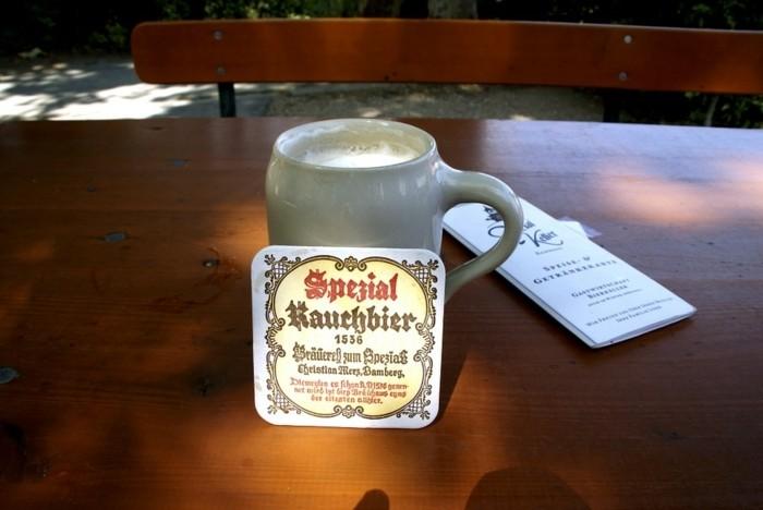 Oktoberfest-Fotos-das-Bier-ist-lecker