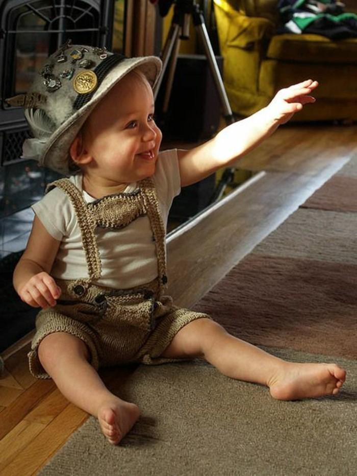 Oktoberfest-Fotos-kleiner-bayerischer-Junge