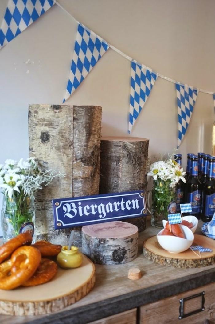 Oktoberfest-Gerichte-in-dem-Biergarten