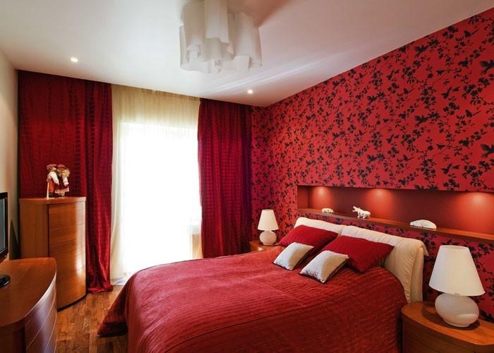 Rotes-Schlafzimmer-Design-Ein-tolles-Interieur