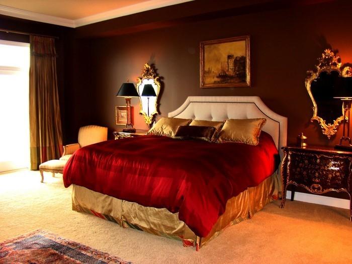 Rotes-Schlafzimmer-Design-Eine-verblüffende-Dekoration