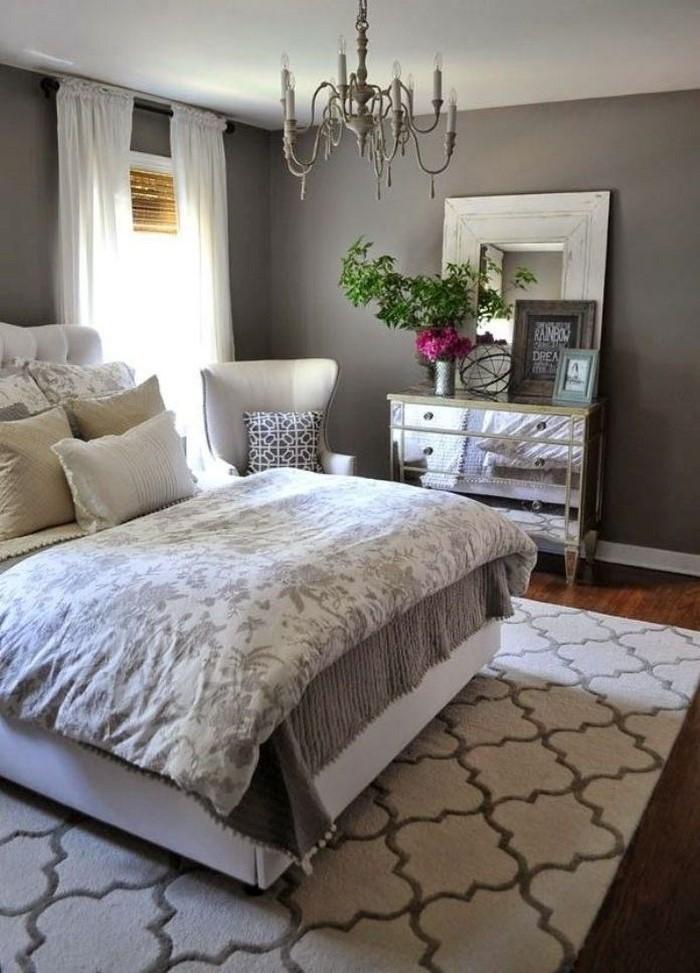 Schlafzimmer-Ideen-mit-Grau-Eine-auffällige-Еinrichtung
