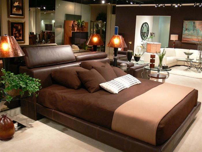 Schlafzimmer-braun-Eine-außergewöhnliche-Dekoration