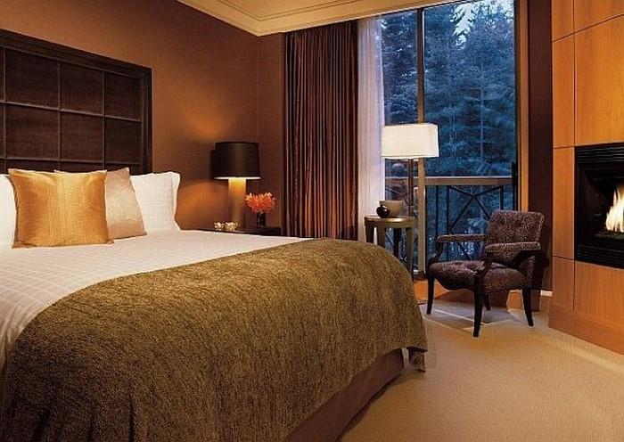 Schlafzimmer-braun-Eine-auffällige-Entscheidung