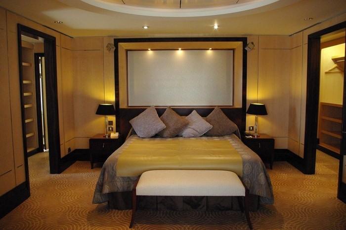Schlafzimmer-farblich-gestalten-mit-Gelb-Ein-cooles-Interieur