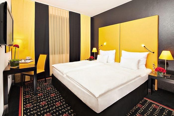 schlafzimmer farblich gestalten 69 wohnideen mit der farbe gelb. Black Bedroom Furniture Sets. Home Design Ideas