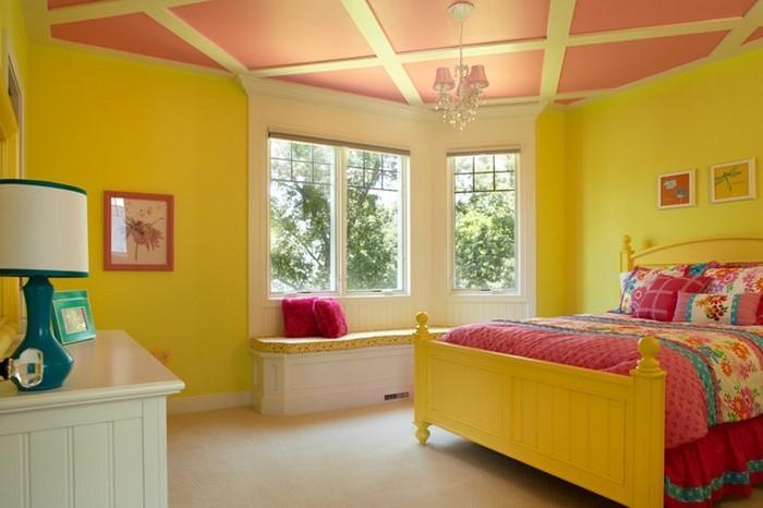 Schlafzimmer-farblich-gestalten-mit-Gelb-Eine-auffällige-Ausstrahlung