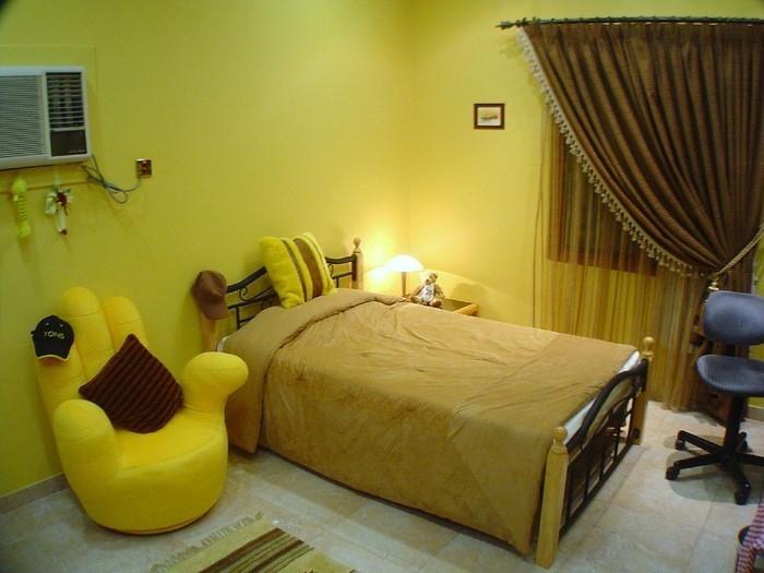 Schlafzimmer-farblich-gestalten-mit-Gelb-Eine-super-Entscheidung