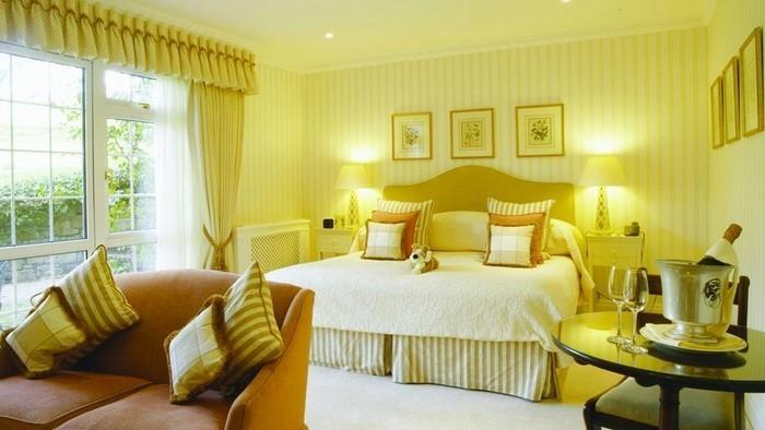 Schlafzimmer-farblich-gestalten-mit-Gelb-Eine-tolle-Entscheidung