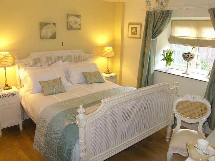 Schlafzimmer wandfarbe gelb ihr traumhaus ideen - Wandfarbe gelb ...