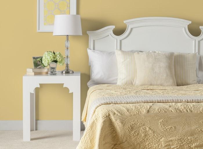 Schlafzimmer-farblich-gestalten-mit-Gelb-Eine-verblüffende-Entscheidung