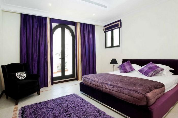 Schlafzimmer-lila-Eine-außergewöhnliche-Gestaltung
