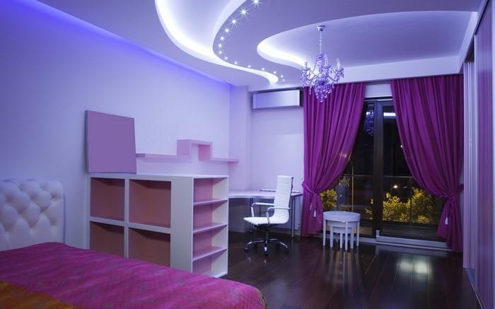 Schlafzimmer-lila-Eine-verblüffende-Entscheidung