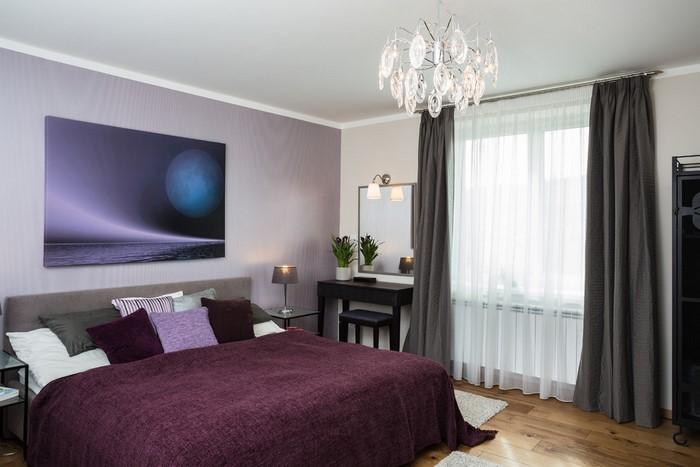 Schlafzimmer-lila-Eine-wunderschöne-Dekoration