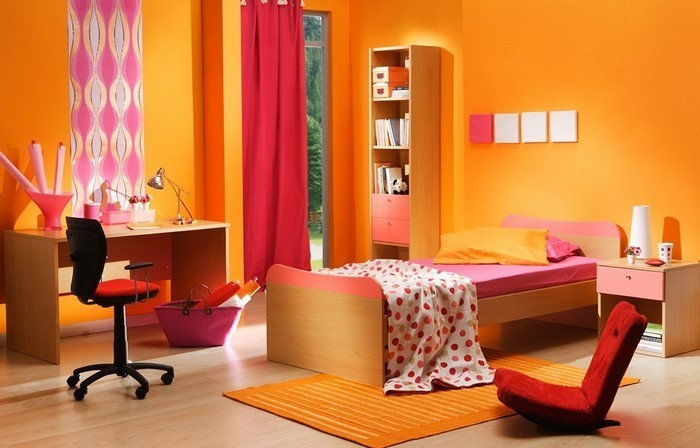 Schlafzimmer-orange-Ein-modernes-Interieur