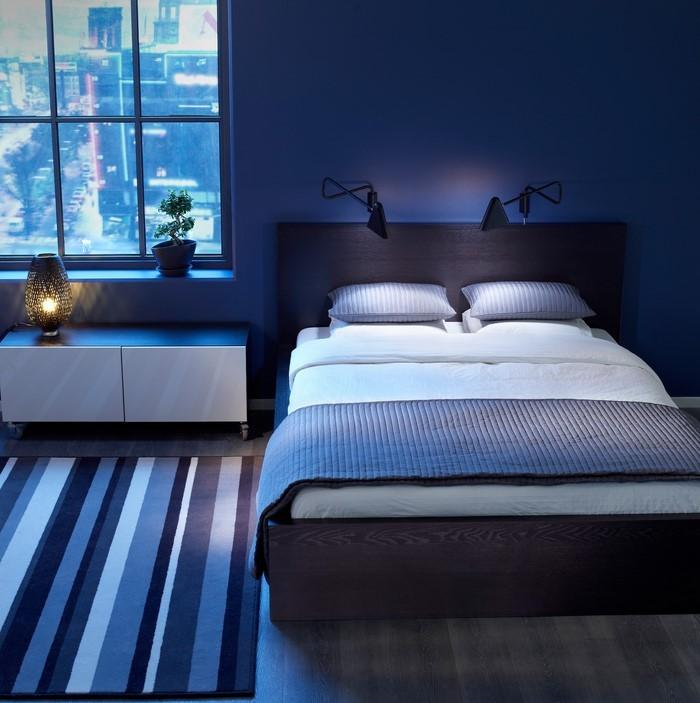 Schlafzimmereinrichtung-in-Blau-Ein-modernes-Design