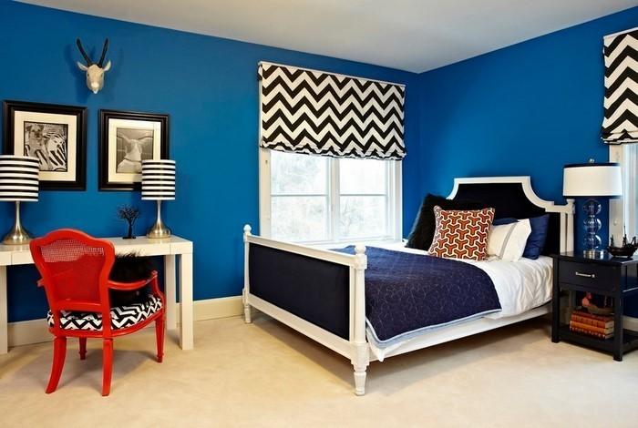 Schlafzimmereinrichtung-in-Blau-Eine-außergewöhnliche-Ausstattung