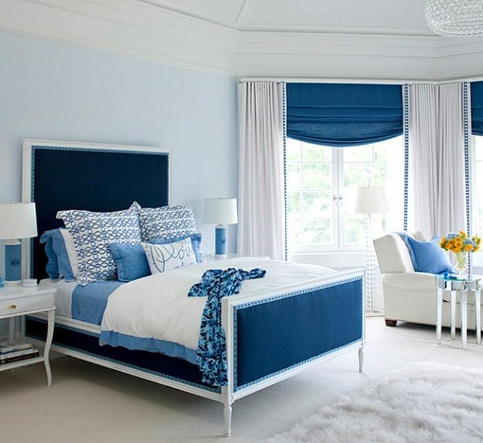 Schlafzimmereinrichtung-in-Blau-Eine-auffällige-Gestaltung