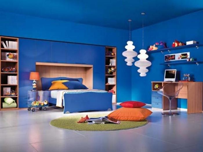 Schlafzimmereinrichtung-in-Blau-Eine-kreative-Dekoration