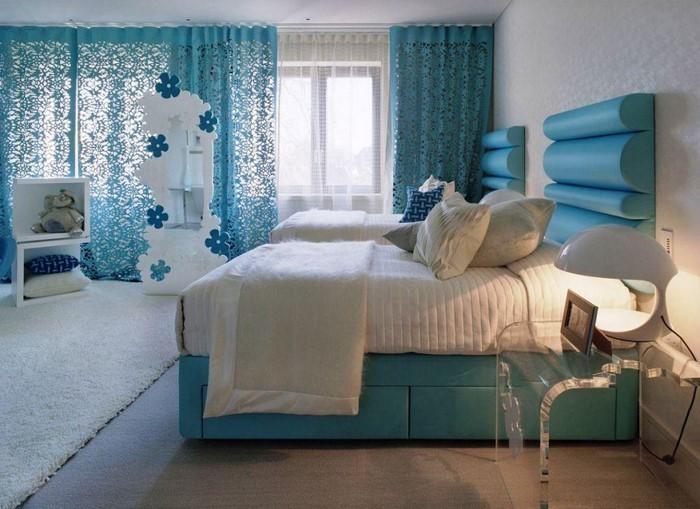 Schlafzimmereinrichtung-in-Blau-Eine-moderne-Deko