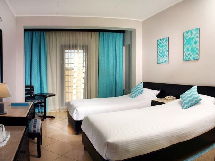 Schlafzimmereinrichtung-in-Blau-Eine-super-Ausstattung