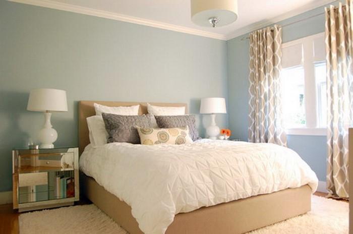 Schlafzimmereinrichtung-in-Blau-Eine-wunderschöne-Deko