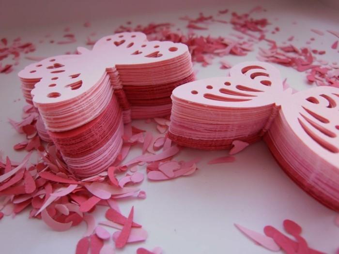 Schmetterling-basteln-viele-rosa-Stücke