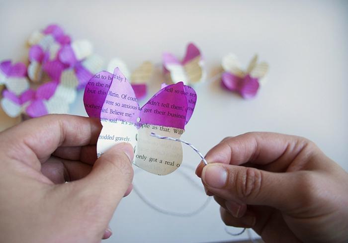 Schmetterlinge-basteln-mit-Kindern-aus-Zeitung