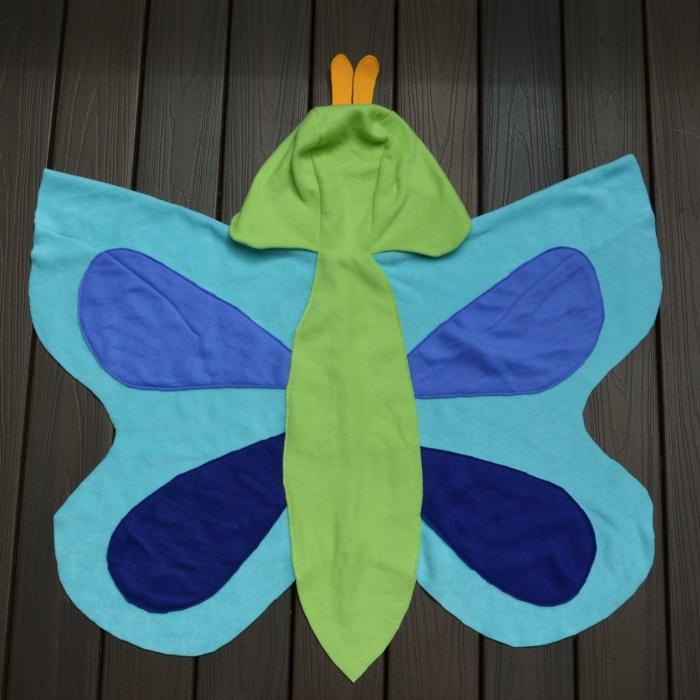 Schmetterlinge-basteln-mit-Kindern-eine-Decke