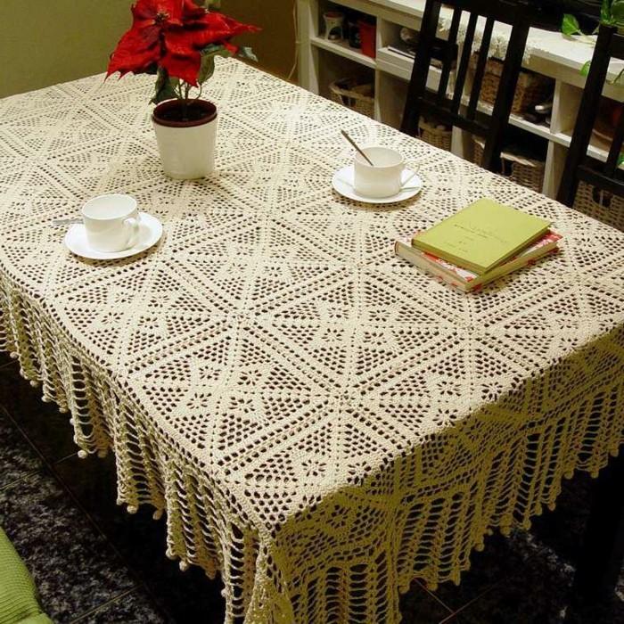 Tischdecke-häkeln-Anleitung-für-das-Esszimmer