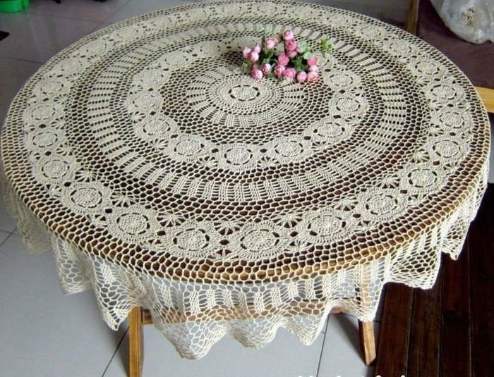 Tischdecke-häkeln-für-alten-Tisch