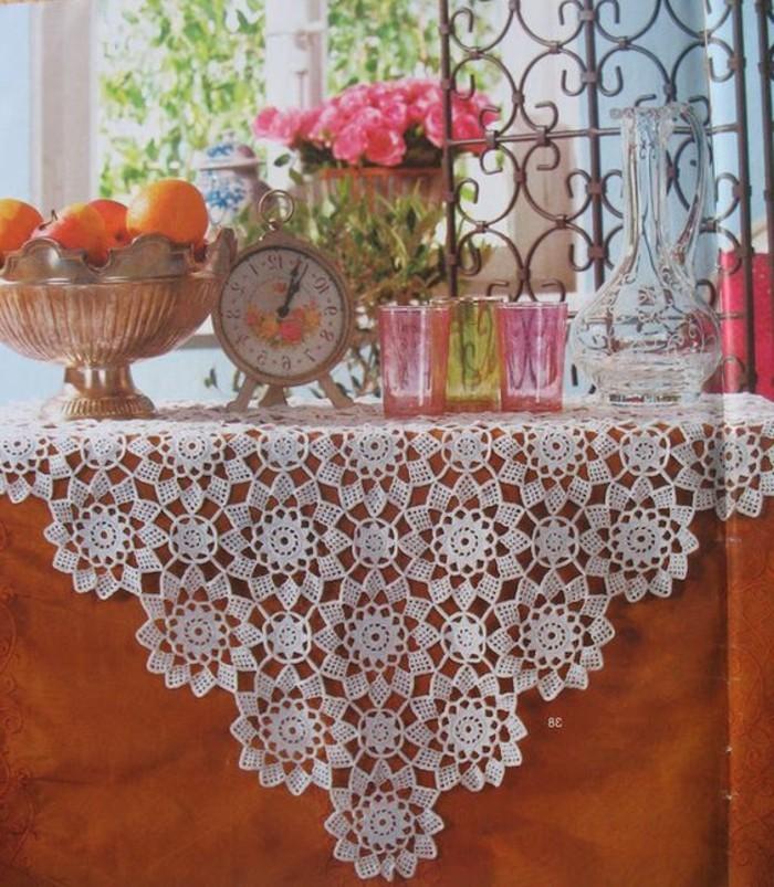 Tischdecke-häkeln-für-schöne-Tischdecko