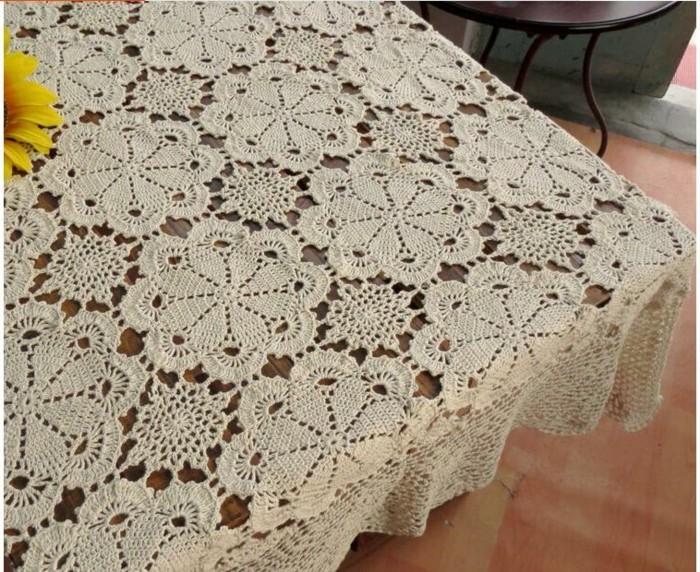 Tischdecke-häkeln-mit-traditionellem-Muster