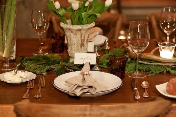 Tischdeko-aus-Holz-mit-Ästen