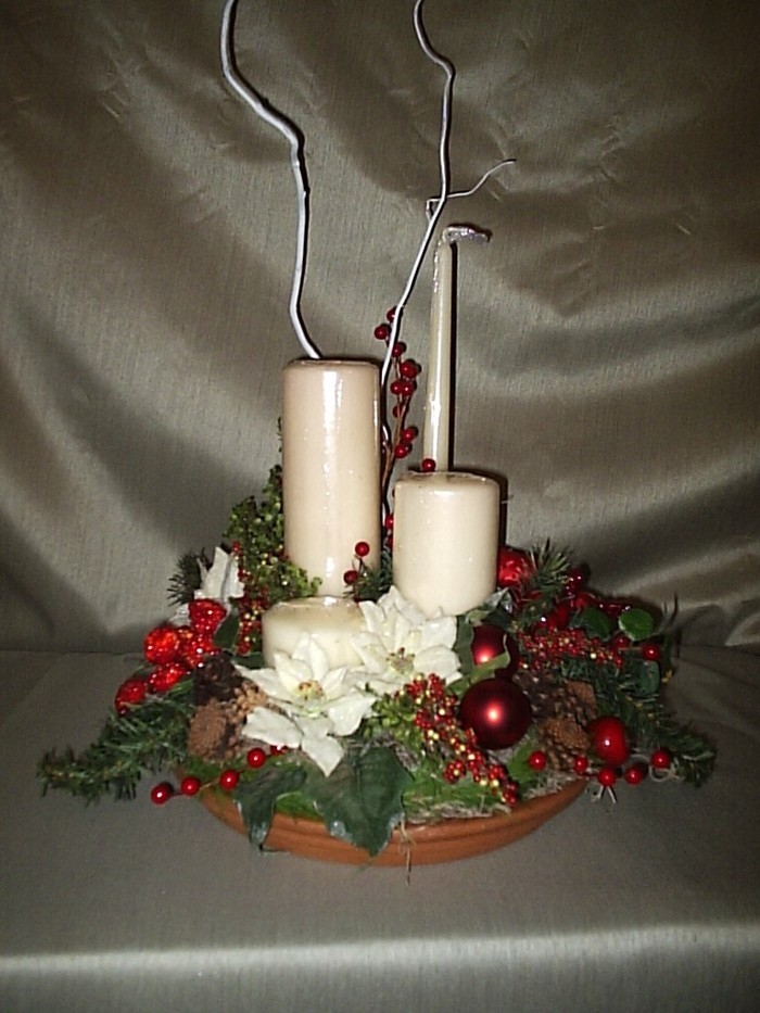 Tischdeko-mit-Kerzen-in-verschiedener-Form