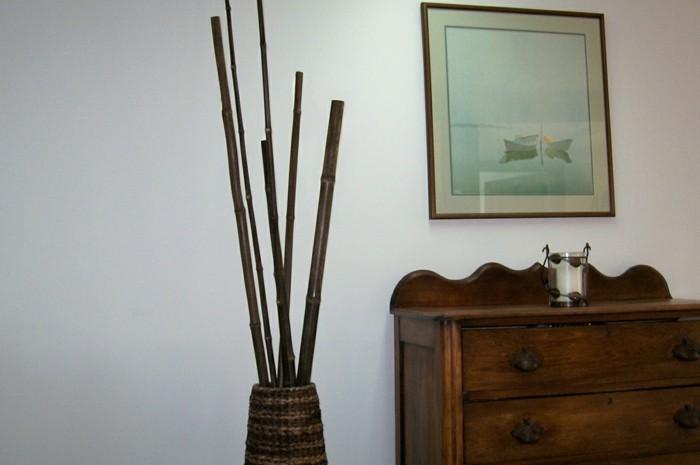Vasen-Deko-das-Thema-ist-Holz