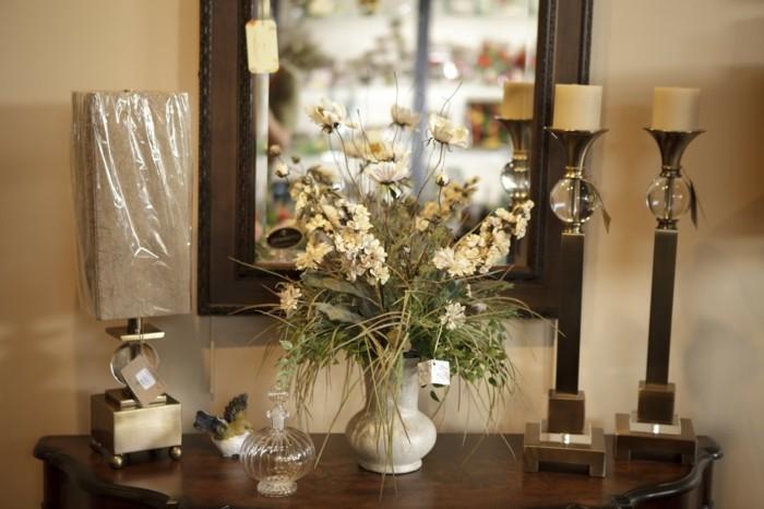 Vasen-Deko-mit-geschenkten-Blumen