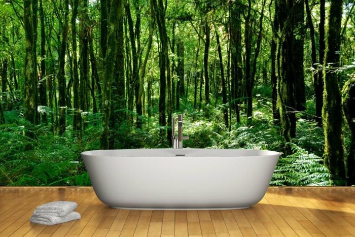 Wandtattoos-Bad-mit-grünen-Bäumen