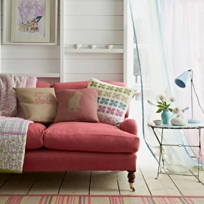 Wohnzimmer-Ideen-mit-Rosa-Eine-auffällige-Dekoration