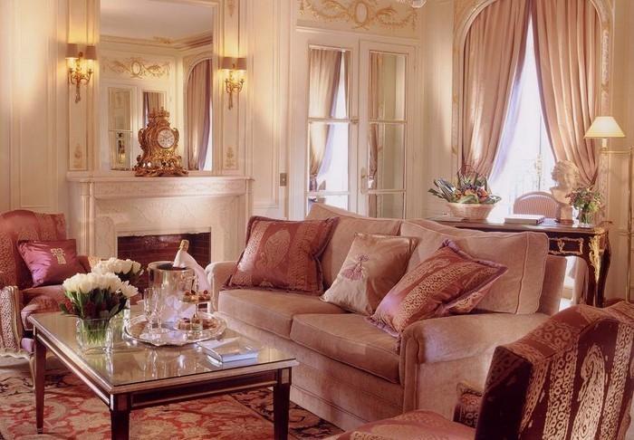 Wohnzimmer-Ideen-mit-Rosa-Eine-super-Deko