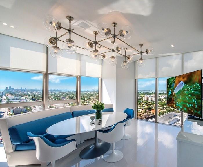 Wohnzimmer farblich gestalten 71 wohnideen mit der farbe blau for Petrolblau wandfarbe