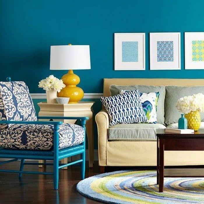 Wohnzimmer-farblich-gestalten-blau-Eine-verblüffende-Entscheidung