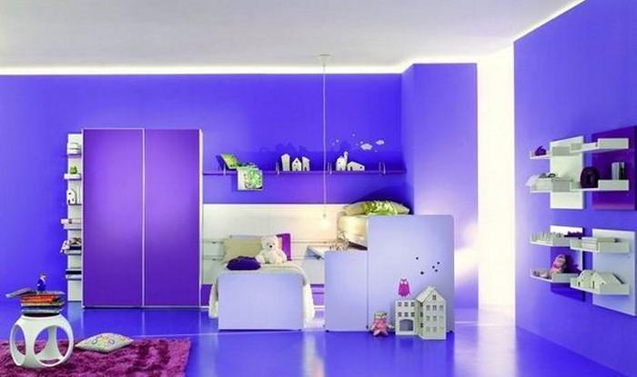 wohnzimmer deko lila:Wohnzimmergestaltung in der Trendfarbe: Ideen für Wandmuster
