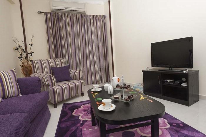 wohnzimmer in lila funvit kinder zimmer deko lila wohnzimmer. Black Bedroom Furniture Sets. Home Design Ideas
