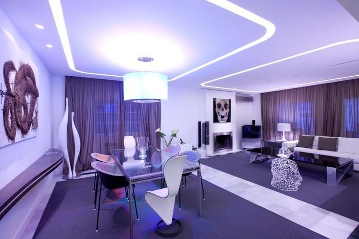 Wohnzimmer-lila-Eine-moderne-Entscheidung