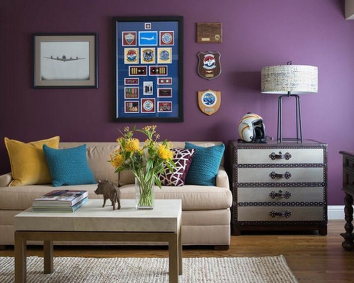 wohnzimmer lila weiß:Wohnzimmer lila: Lila und Weiß im Wohnbereich eines Einfamilienhauses