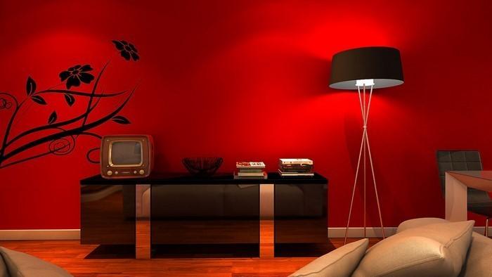 Wohnzimmer-rot-Eine-auffällige-Deko