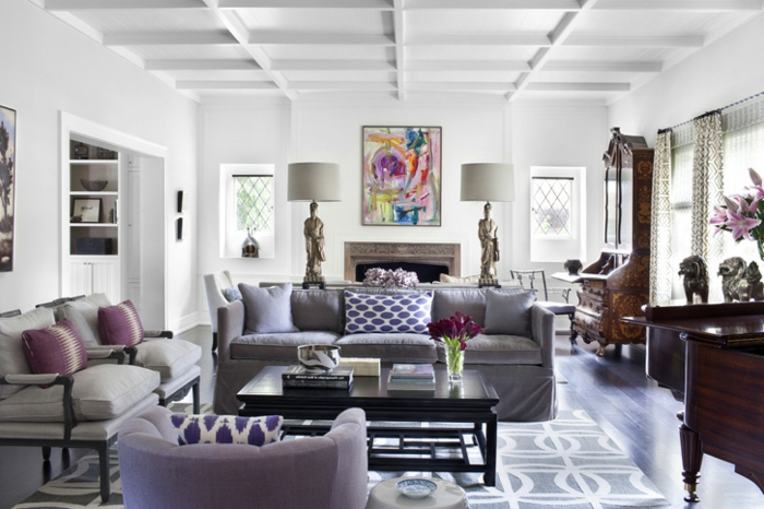 Zimmer-Dekorieren-in-heller-lila-Farbe